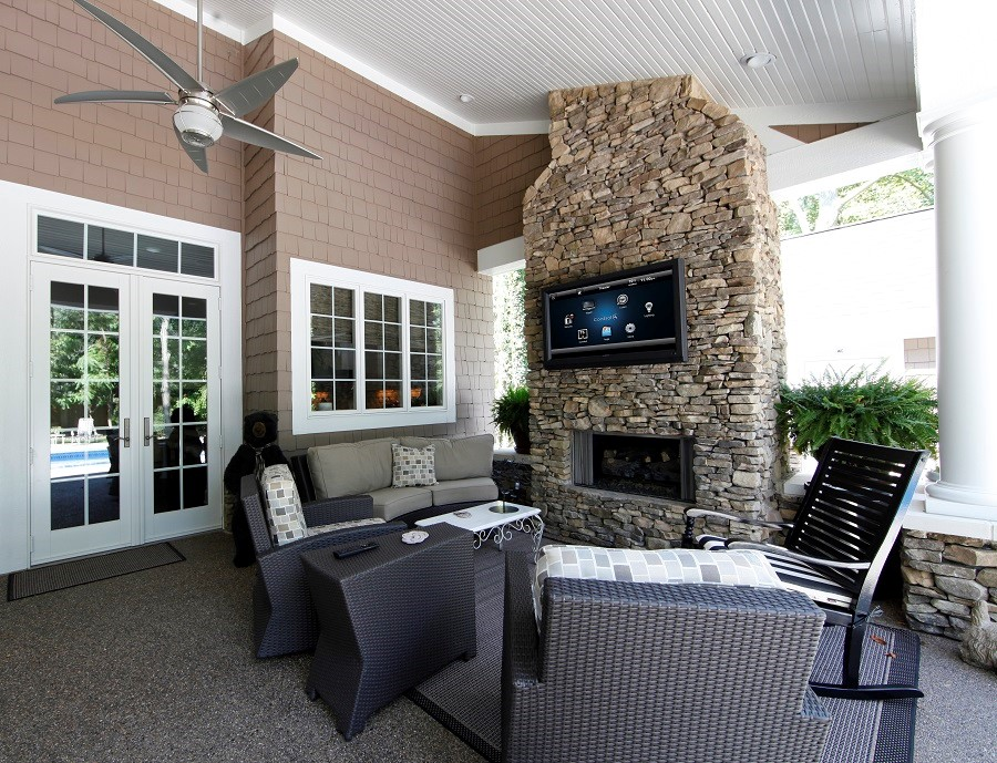 Here's What You Can Achieve With an Outdoor Entertainment System